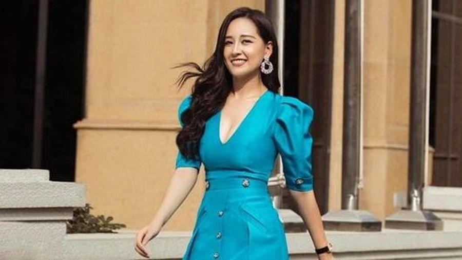 Mai Phương Thúy tự tin diện váy ngắn khoét ngực 'sương sương', màu 'nổi bần bật' sau khi giảm cân thành công