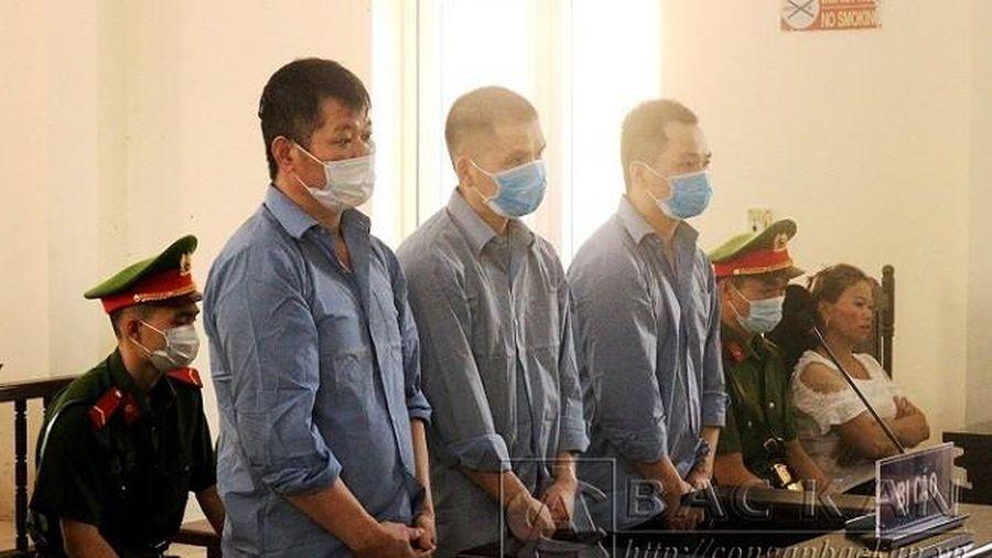 Vụ tử tù treo cổ tự sát khi chân vẫn bị cùm: Còn đồng phạm chưa bị xử lý