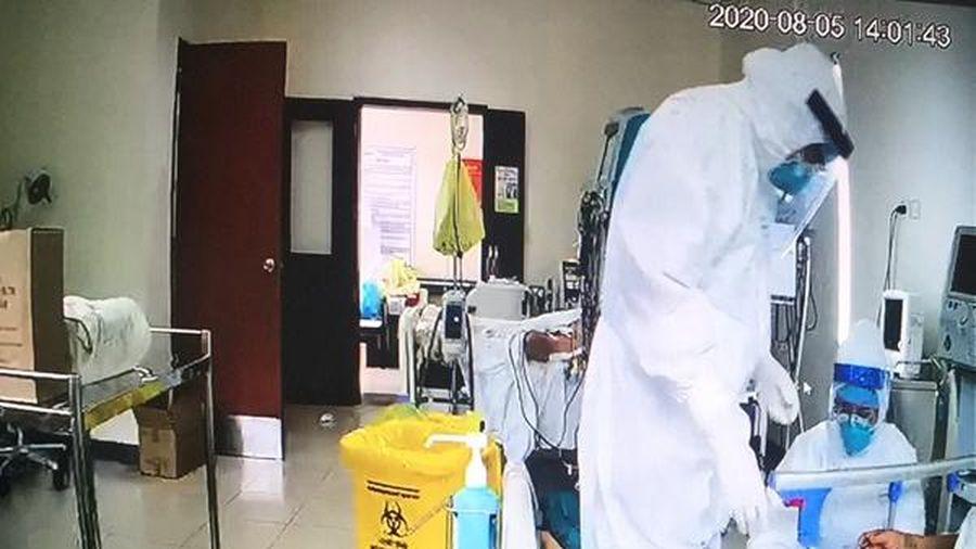 Điều thiết bị 'bay' từ Hà Nội vào Huế cứu bệnh nhân Covid-19 nguy kịch