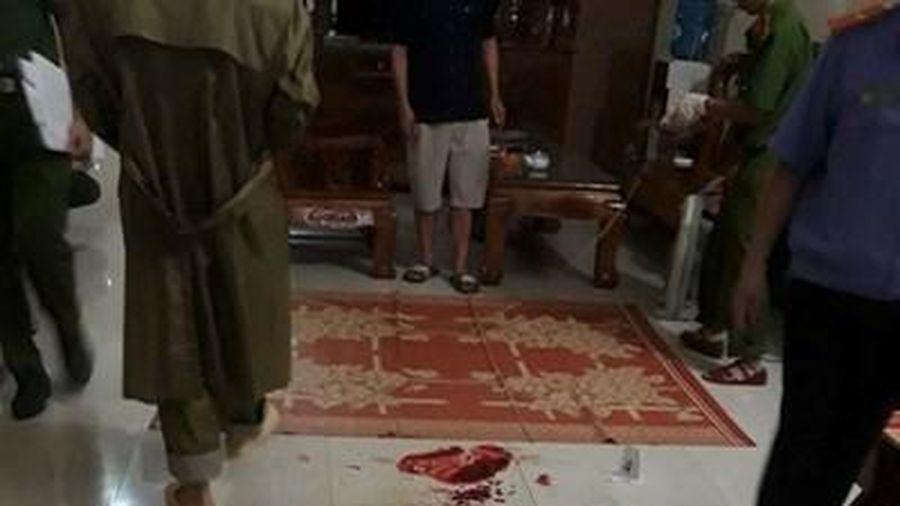 Chồng ra tay sát hại vợ rồi chém bố vợ bị thương nặng