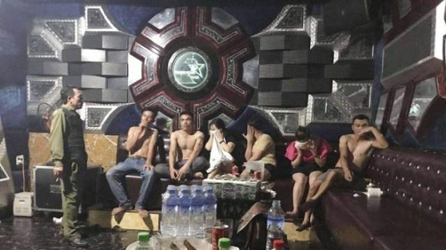 Nhóm nam nữ thuê phòng karaoke tổ chức 'tiệc ma túy' trong mùa dịch Covid-19