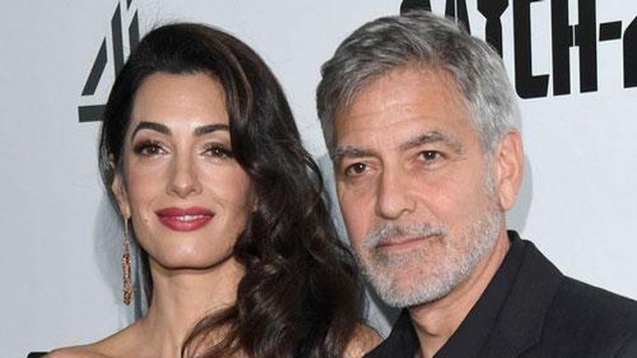 Vợ chồng George Clooney quyên góp 100.000 USD cho người dân Lebanon
