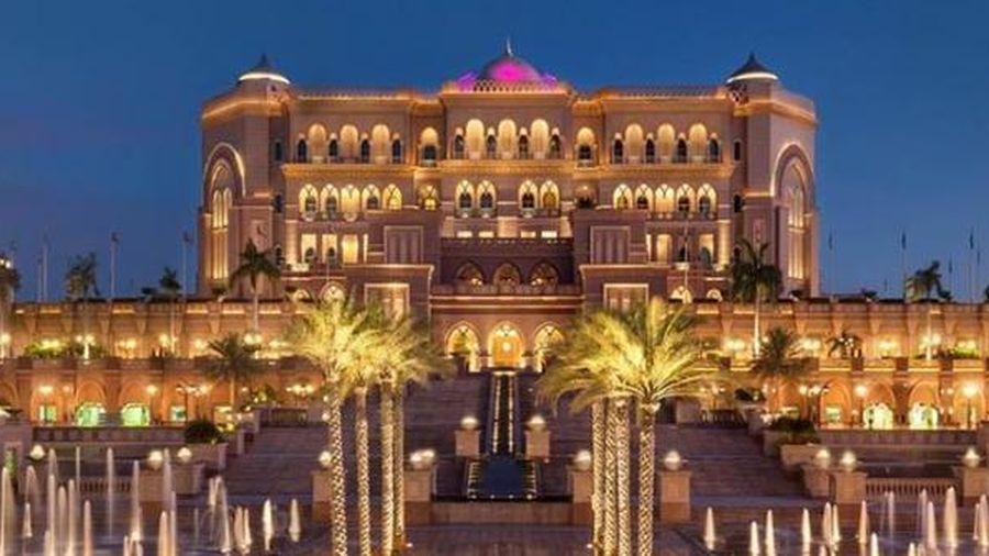 Khách sạn 8 sao dát đầy vàng, xứng danh thiên đường nơi hạ giới