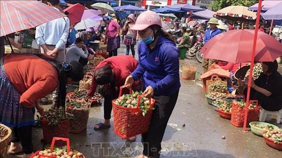 Lào Cai đặt kế hoạch thu hút đầu tư thêm 17 chợ tại 9 huyện, thị
