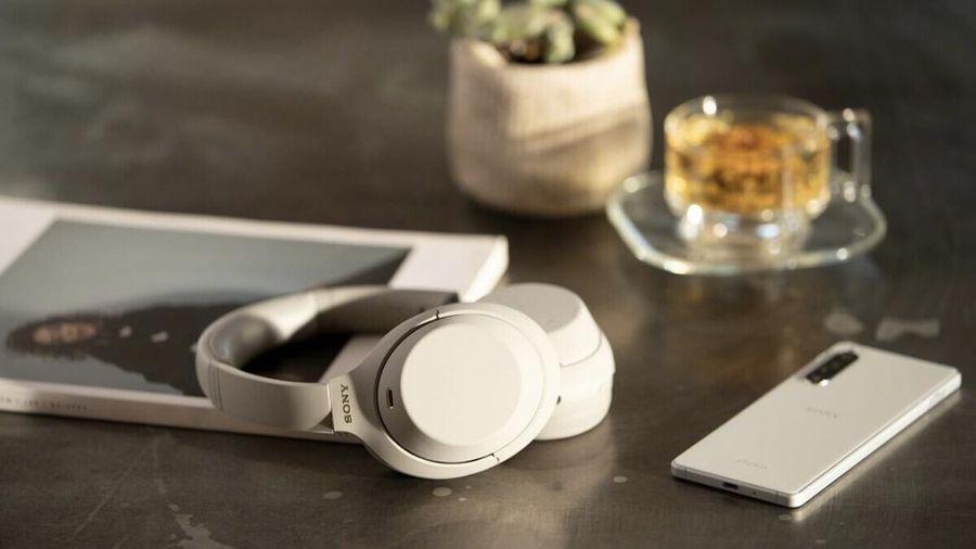 Sony ra mắt tai nghe chống ồn chủ động WH-1000XM4