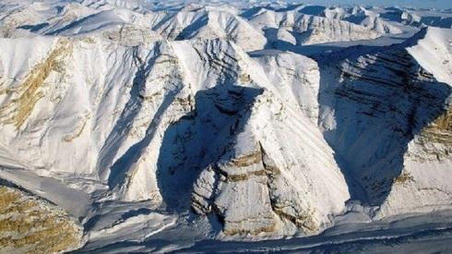 Thềm băng Bắc Cực nguyên vẹn cuối cùng đã tan chảy