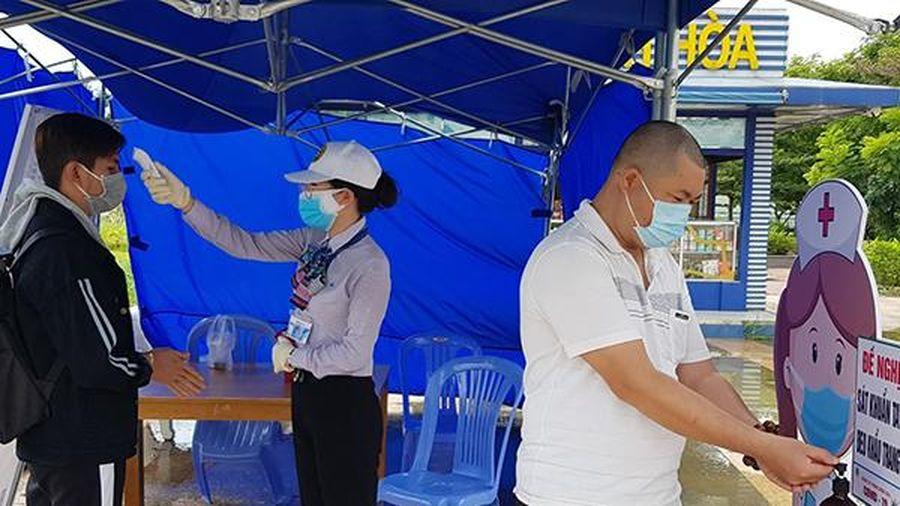 Con trai của 2 bệnh nhân 595, 669 và người giúp việc đều âm tính với SARS-CoV-2