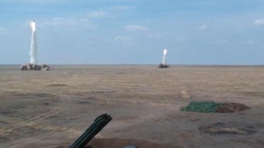 Nga bắn loạt tên lửa đạn đạo trúng mục tiêu cách 90 km một cách ngoạn mục
