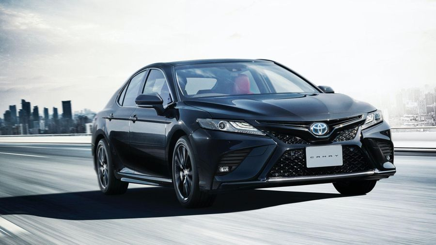 Toyota đánh dấu cột mốc 40 năm Camry với bản Black Edition