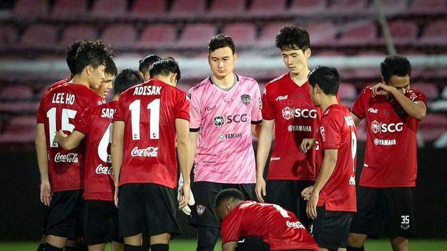 Bóng đá Thái Lan khốn khó, phải vay tiền để tổ chức giải