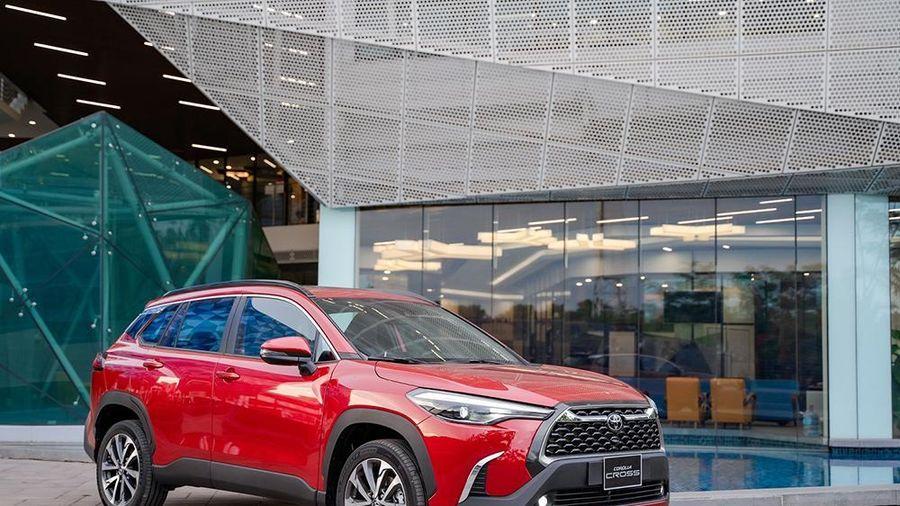 Khách đặt hàng Corolla CROSS phải mua thêm phụ kiện: Toyota lên tiếng