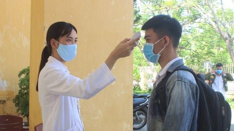 Hơn 7.500 thí sinh Quảng Nam dự thi tốt nghiệp THPT năm 2020 làm thủ tục thi
