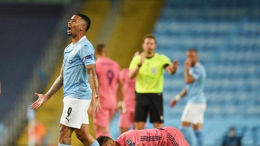 Real bị loại khi thua 2-4 trước Man City