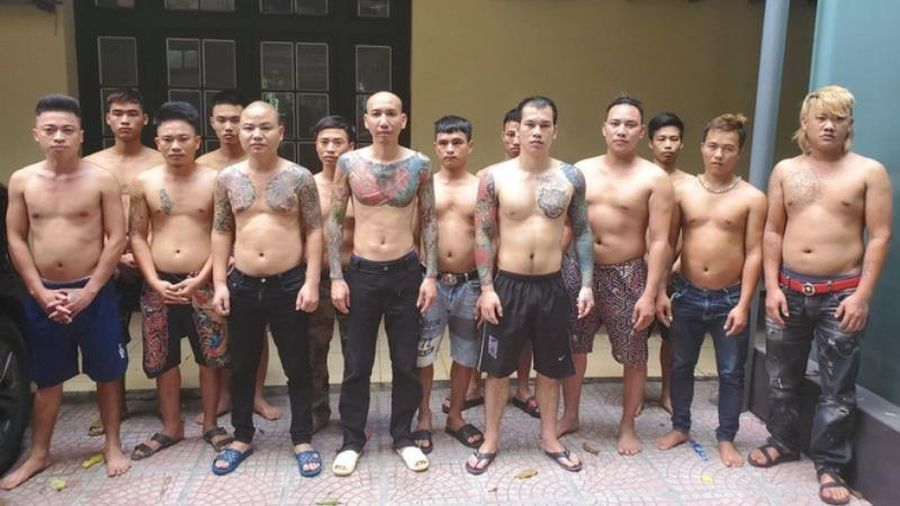 Bắt giữ loạt 'đàn em' của 'giang hồ mạng' Phú Lê