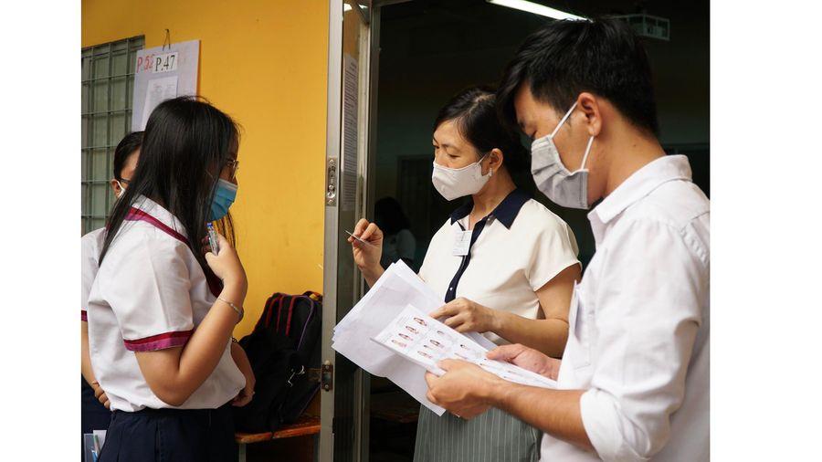 TPHCM: Thí sinh thoải mái bước vào môn thi đầu tiên kỳ thi tốt nghiệp THPT năm 2020