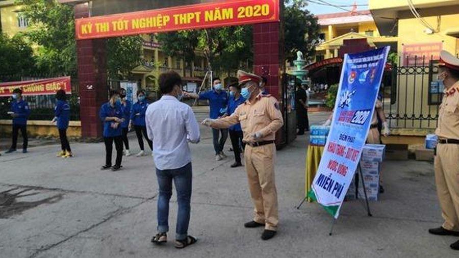 Bắc Giang: CSGT 'tiếp sức' cho thí sinh thi tốt nghiệp THPT năm 2020