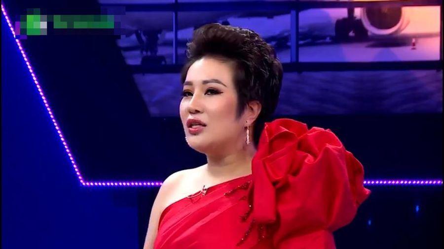 Doanh nhân-ca sỹ oai vệ đi hẹn hò khiến siêu mẫu Võ Hoàng Yên 'co rúm'