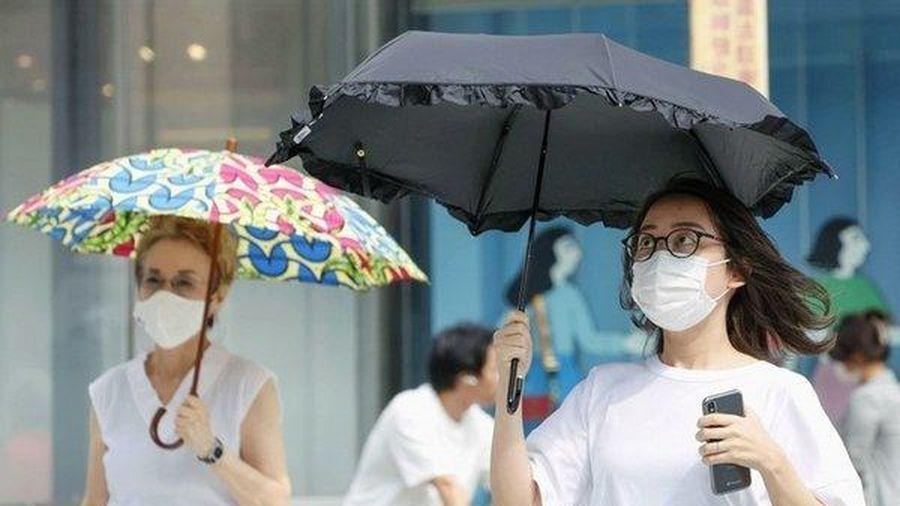 Nhật chật vật chống Covid-19, Anh thu hồi hàng loạt bộ xét nghiệm