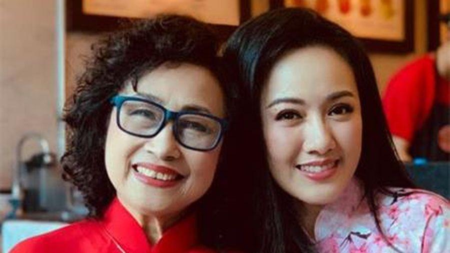 BTV Hoài Anh ngưỡng mộ 'giọng đọc huyền thoại' NSƯT Kim Tiến