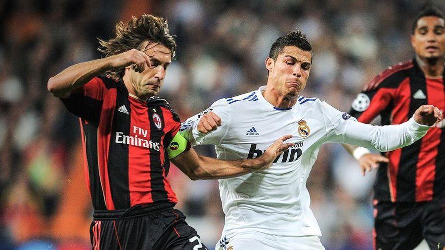 Ảnh chế: Ronaldo sốc khi biết HLV Andrea Pirlo gọi Messi là cầu thủ xuất sắc nhất
