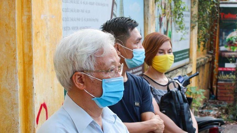 Sĩ tử Hà Nội bình tĩnh bước vào kỳ thi tốt nghiệp THPT