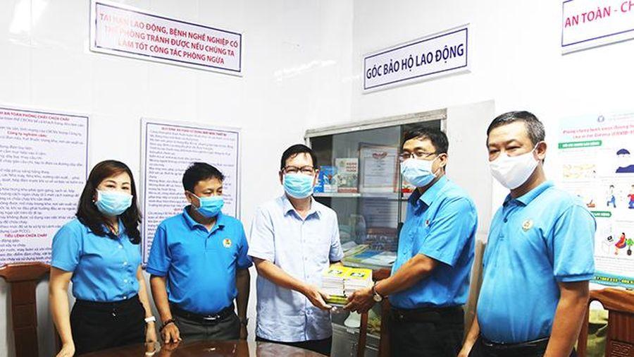 Liên đoàn Lao động tỉnh: Nghiệm thu và bàn giao góc bảo hộ lao động