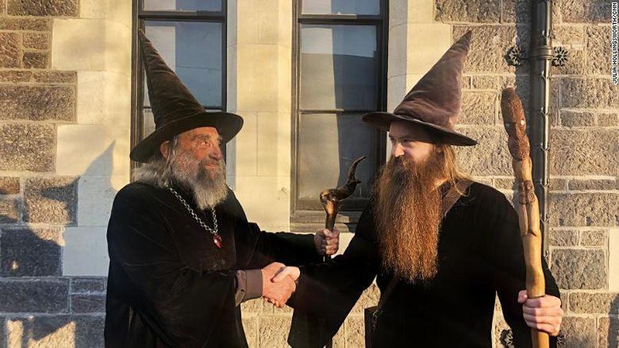 Viên chức phù thủy ăn lương 10.000 USD/năm ở New Zealand