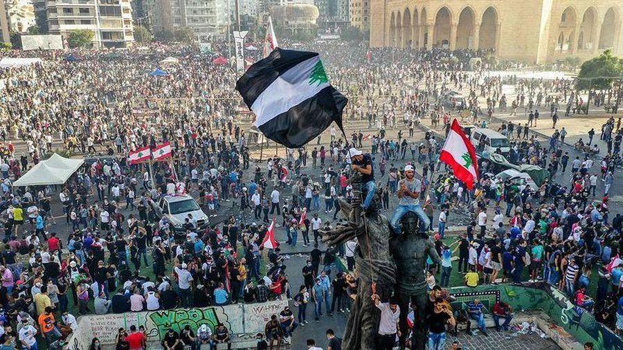 Lebanon sau vụ nổ ở Beirut: Tình hình phức tạp, trụ sở Quốc hội bị đe dọa, ông Trump kêu gọi minh bạch