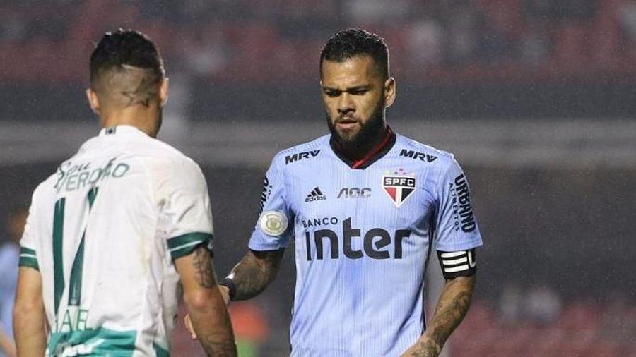 Một trận đấu tại Brazil đã bị hoãn do 10 cầu thủ mắc Covid-19