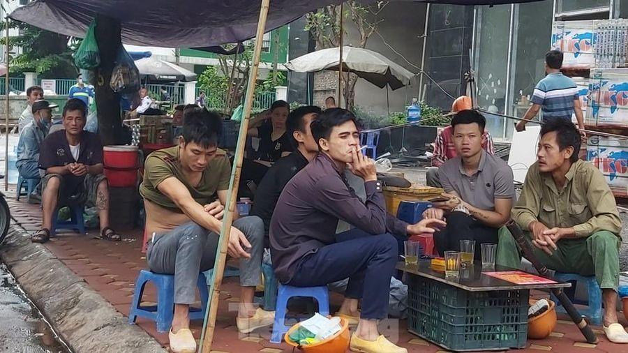 Công an phường ở Hà Nội 'bất ngờ' về quán trà đá nhộn nhịp trong dịch