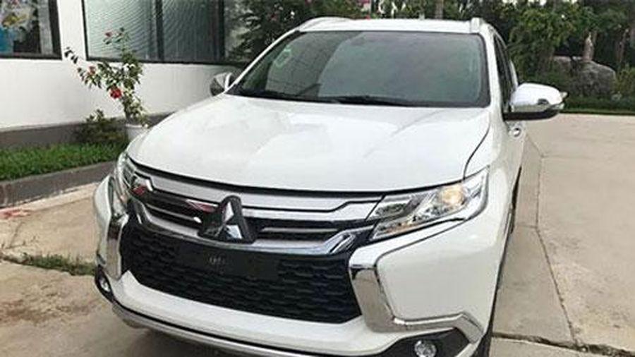 Đối thủ của Hyundai Santa Fe, Toyota Fortuner đẹp long lanh, giảm giá xuống còn hơn 700 triệu