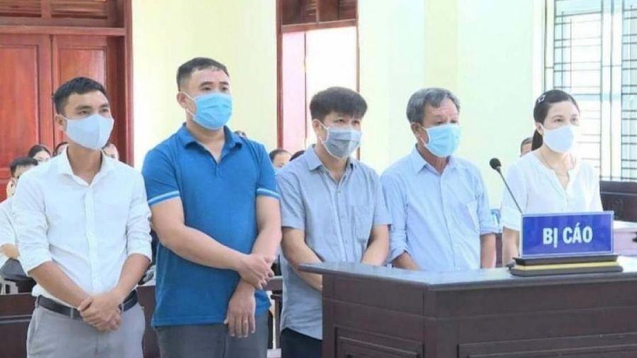 'Hô biến' đất lúa thành hoa ly, 5 cán bộ công chức ở Thanh Hóa 'hầu tòa'