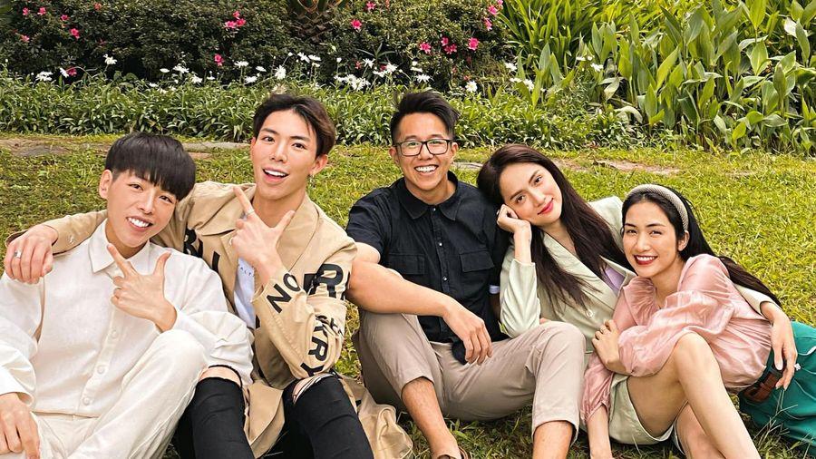 Matt Liu ngày càng thân với hội bạn của nhà gái Hương Giang, chắc suất 'anh rể' nhỉ!