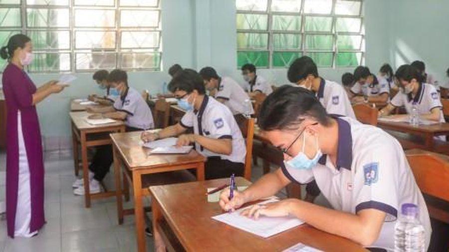 Tổ chức thi an toàn và nghiêm túc, đa số thí sinh phấn khởi vì đề thi vừa sức