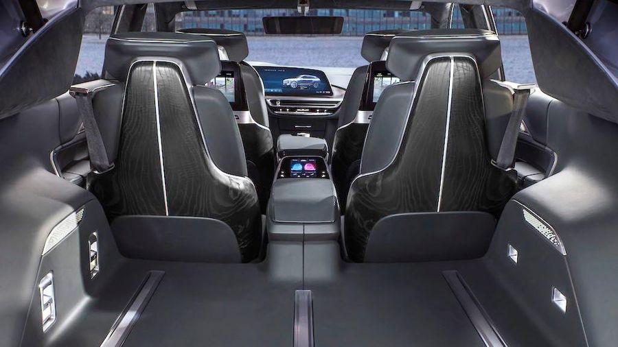 Cadillac LYRIQ 'xuất trận' khiến cuộc chiến xe crossover điện thêm gay cấn
