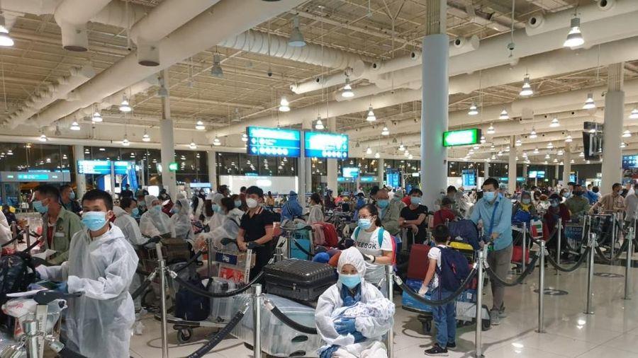 Đưa 573 công dân Việt Nam từ UAE, Hàn Quốc về nước