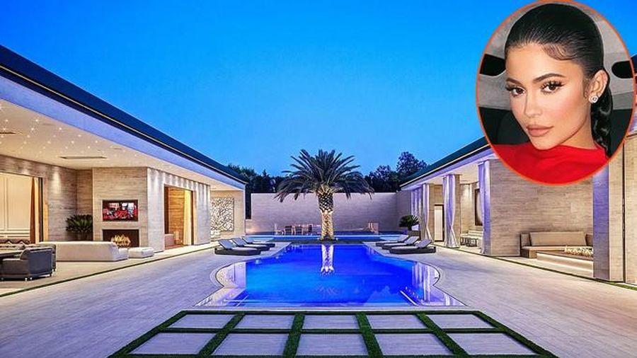 Choáng ngợp với căn biệt thự xa hoa 36,5 triệu USD của Kylie Jenner
