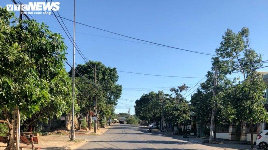 Đường phố TP Đông Hà vắng vẻ, hàng quán đóng cửa trước giờ giãn cách xã hội