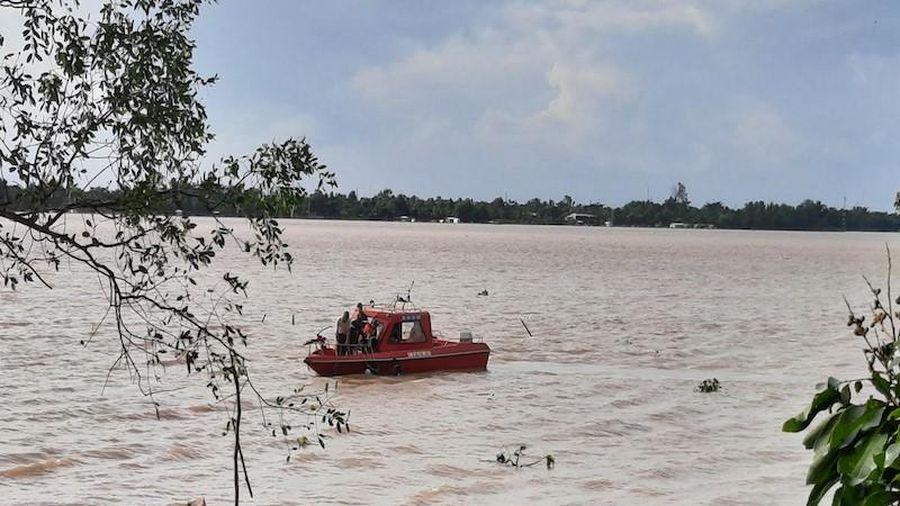 Ra sông Tiền câu cá, thiếu niên đuối nước mất tích