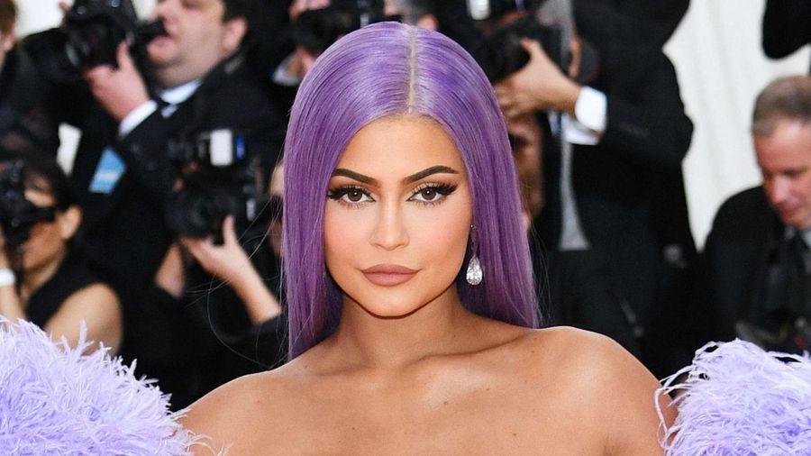 23 tuổi, Kylie Jenner kiếm 900 triệu USD như thế nào