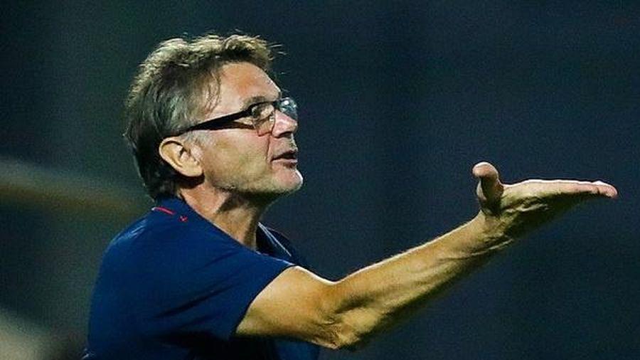 HLV Troussier thất vọng vì tuyển U19 không thể dự giải Đông Nam Á