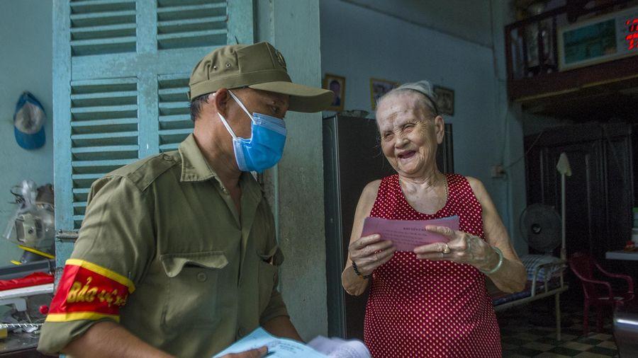 Người Đà Nẵng nói gì về việc đi chợ bằng phiếu?