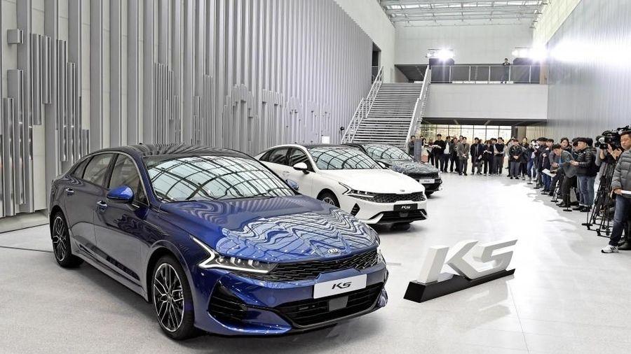 Giá xe ôtô hôm nay 11/8: Kia Optima giảm 50 triệu đồng