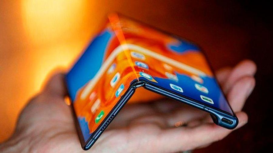Huawei Mate X2 vượt trội 'bản tiền nhiệm' với cộng nghệ gập ngược màn hình