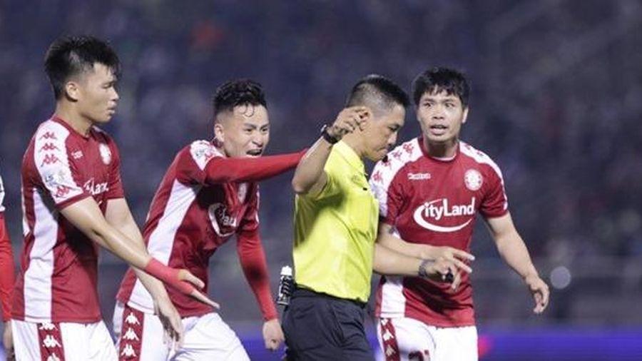 Sai sót của trọng tài tại V-League 2020: Căn bệnh hết thuốc chữa?