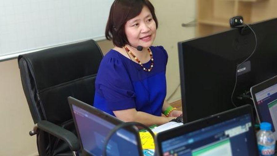 Gấp rút bồi dưỡng giáo viên dạy SGK lớp 1 mới