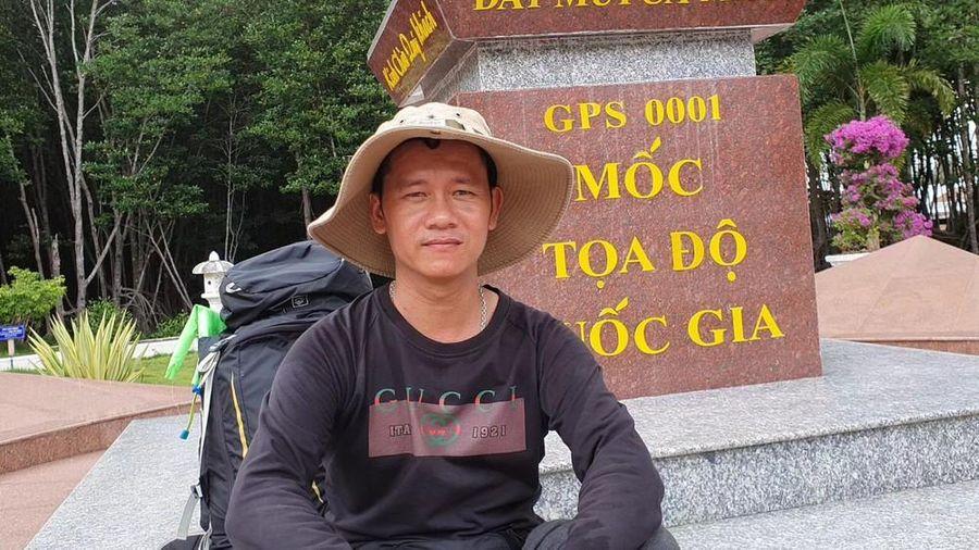 Chàng trai đi bộ xuyên Việt để ngắm nhìn vẻ đẹp đất nước