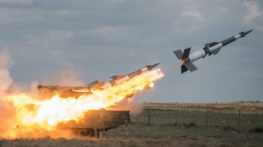 Vì sao Ukraine đưa hệ thống tên lửa 'SAM-2 rút gọn' đã loại biên trở lại biên chế?