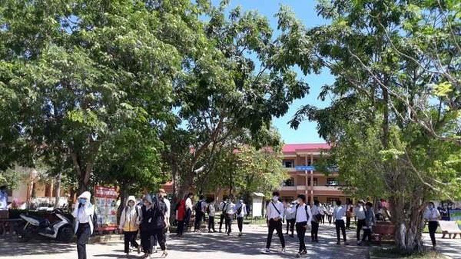 56 sinh viên Lào ở Quảng Trị tự ý bỏ về nước