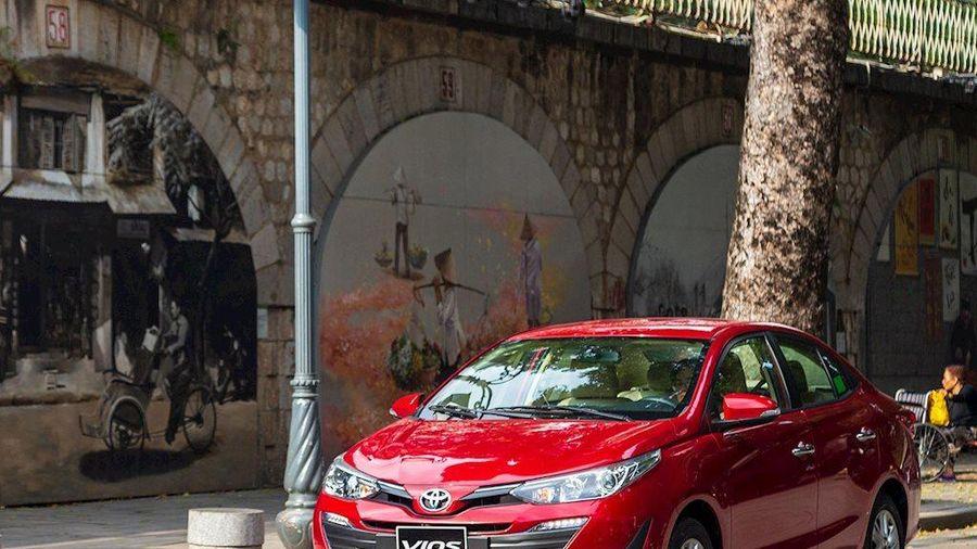 10 ô tô bán chạy nhất: Quán quân Honda City mất hút, Toyota Vios trở lại